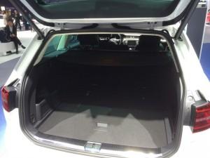 Trotz Elektroantrieb reichlich Stauraum - Der Kofferraum des Passat GTE